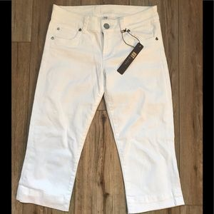 NWT Kut From the Kloth White Jean capris!!
